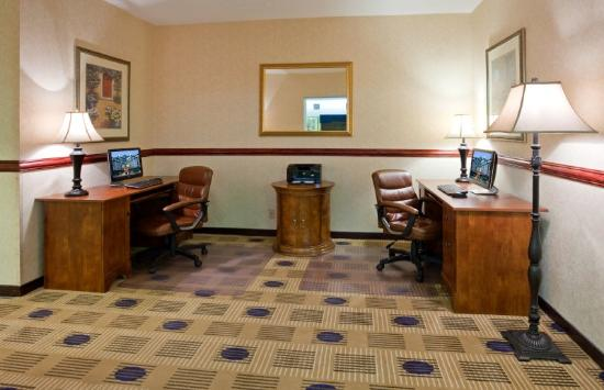 Holiday Inn Express Roseville - St Paul: Holiday Inn Express Roseville Business Center