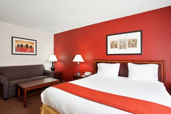 Holiday Inn Express Merrillville: King Bed Guest Room