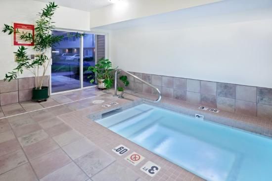 Holiday Inn Express Portland (Airport Area): End the day in our relaxing hot tub with sauna