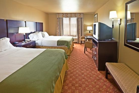 ‪‪Holiday Inn Express Hotel & Suites Muskogee‬: Double Bed Guest Room‬