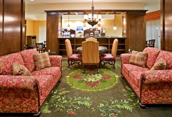 Holiday Inn Express Hotel &amp; Suites Sulphur Springs: Guest Dining Lounge