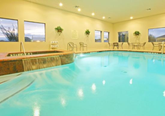 Holiday Inn Express Hotel & Suites Longview-North: Swimming Pool