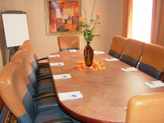 Holiday Inn Express Hotel & Suites Lafayette: Board Room
