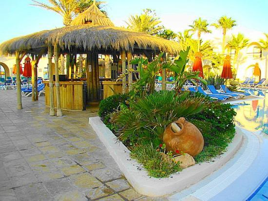 SENTIDO Djerba Beach: Pool-Bar im Innenhof