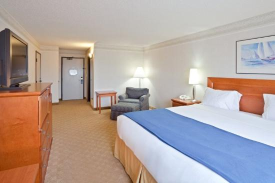 Holiday Inn Express Tacoma: Tacoma Hotel King Guest Room
