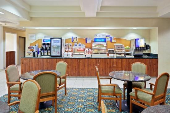 Holiday Inn Express Tacoma: Tacoma Hotel Breakfast Area