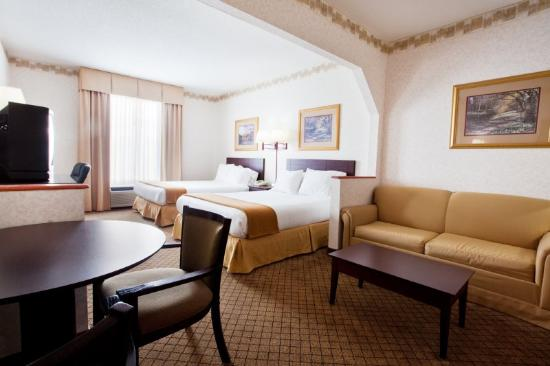 Holiday Inn Express Hiawassee: Double Bed Guest Room