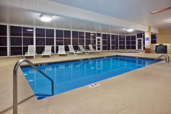 Holiday Inn Express Hiawassee: Swimming Pool