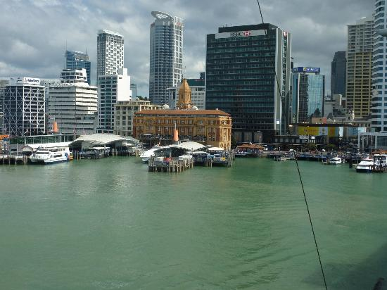 Hilton Auckland: View of CBD from room balcony