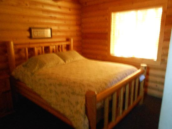 The Pines at Island Park: master bed