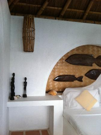 Puerto Del Sol Resort Hotel and Dive Center Coron: Bedroom at Puerto del Sol - Traveldivaritagoh