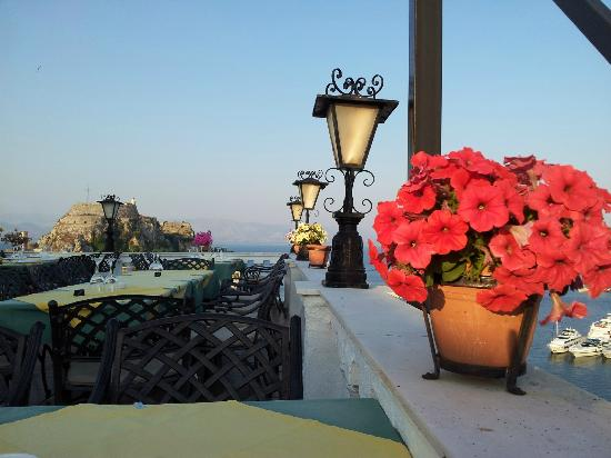 Cavalieri Hotel Corfu: The top floor terrace bar