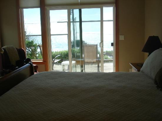 Pana Sea Ah Bed and Breakfast: View from the bed