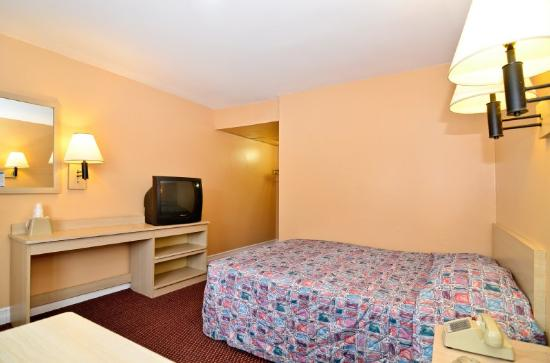 Americas Best Value Inn Bridgeton - St. Louis / North: 1 Queen Bed