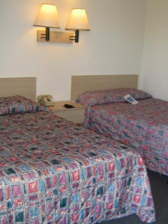 Americas Best Value Inn Bridgeton - St. Louis / North: 2 Doubles Guest Room