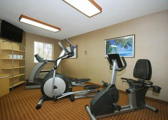 MainStay Suites: Exercise area