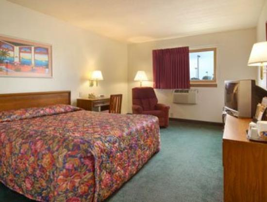 Super 8 Indianapolis/Emerson: Standard Queen Bed Room