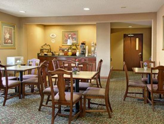 Super 8 Motel Indianapolis / NE / Castleton Area: Breakfast Area