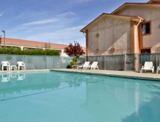 Super 8 Willows: Seasonal Outdoor Pool