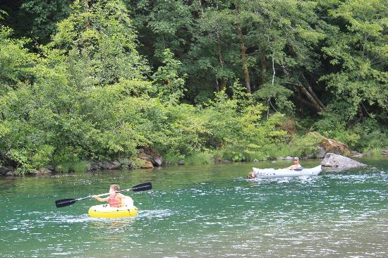 The Chetco River Inn: floating down the river through the property