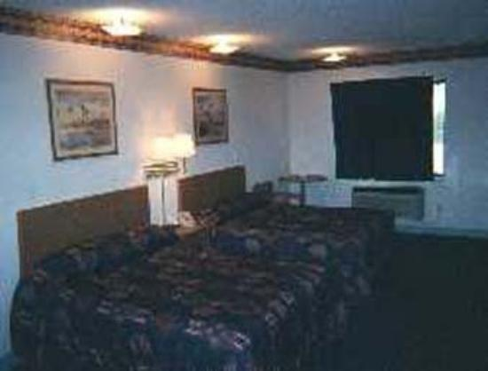 Super 8 Glacier Park/Columbia Falls: Guest Room With Two Beds
