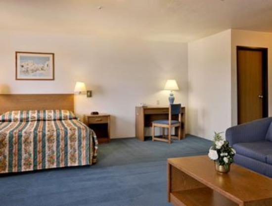 Super 8 Prescott Valley: Whirlpool Suite