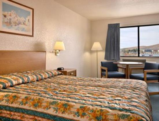 Super 8 Prescott Valley: Standard Queen Bed Room