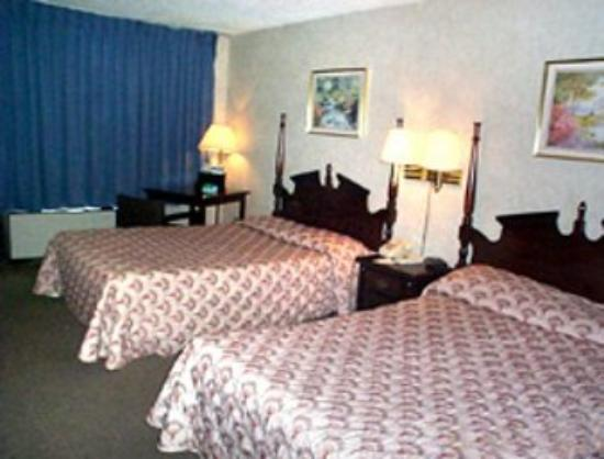 LaGrange, GA: Guest Room with 2 Beds