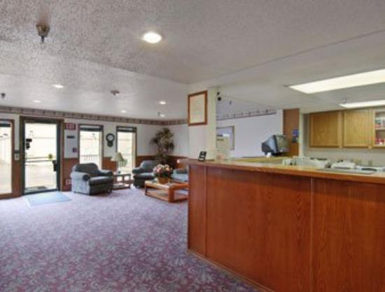 Super 8 Motel Plano / Dallas: Lobby
