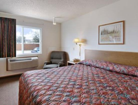 Super 8 Motel Plano / Dallas: Standard King Bed Room