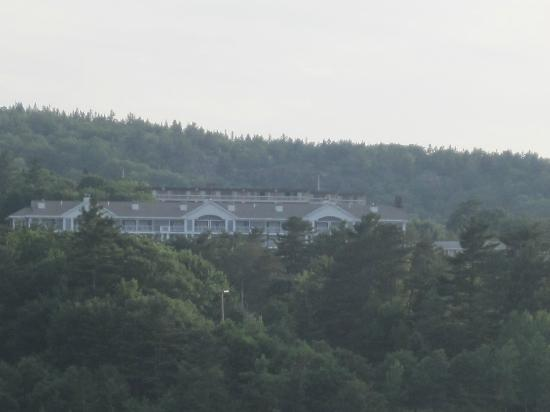 Bluenose Inn - A Bar Harbor Hotel: View of the hotel from the water