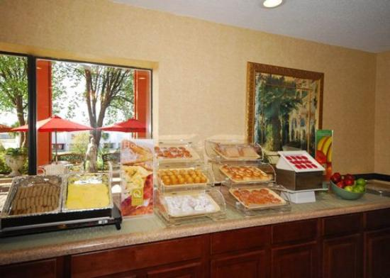 Quality Inn & Suites: Breakfast items