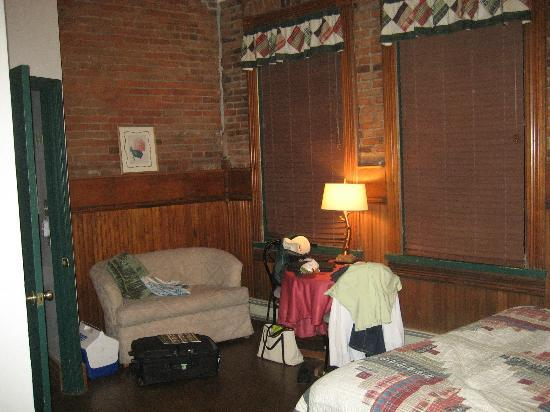 Old Firehouse B&B: Last Chance room