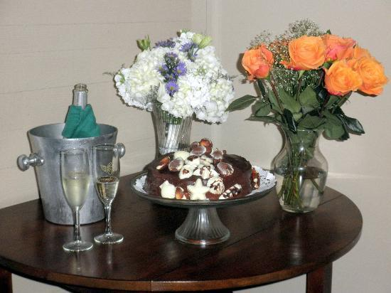 Coombs House Inn: My bouquet, flowers from Lynn, wedding cake, champagne, and flutes