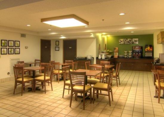 Sleep Inn & Suites - Johnson City: TNBreakfast Bar