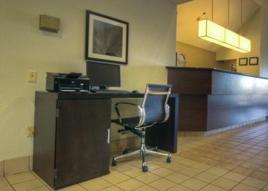 Sleep Inn & Suites - Johnson City: TNBusiness Center