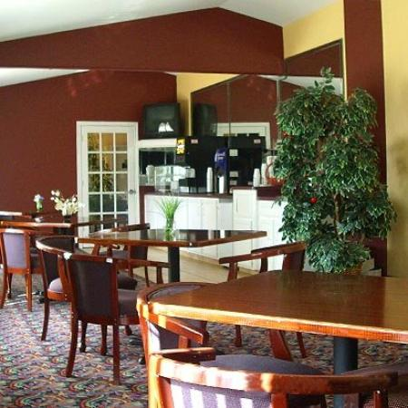 Oxford Inn & Suites Webster: Restaurant (OpenTravel Alliance - Restaurant)
