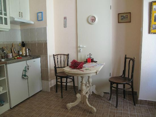 Anno Apartments: Cucina