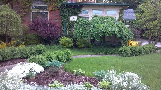 The Old Rectory: Front Garden