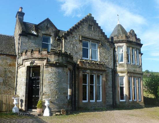Nivingston Country House