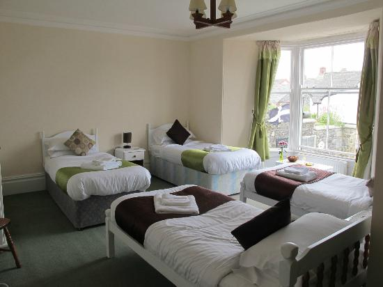 The Three Tuns Hotel: 'St. Keverne' Group Room Ideal For Divers or Walking Parties