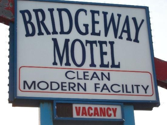 Bridgeway Motel