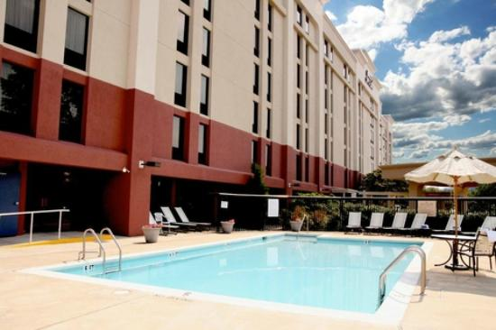 Hampton Inn & Suites Alexandria Old Town Area South : Alexandia Hampton Inn Oudoor Pool