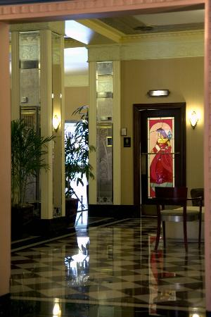 Ambassador Hotel: Lobby