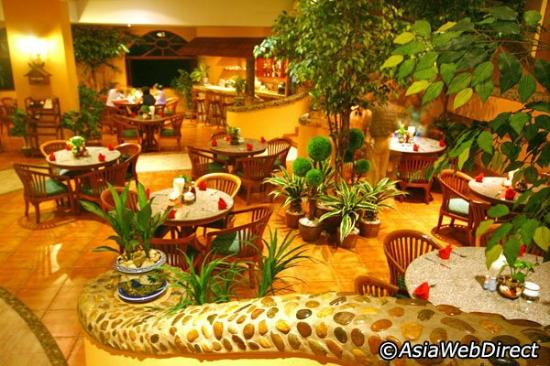 The Dining Room at Pacific Club