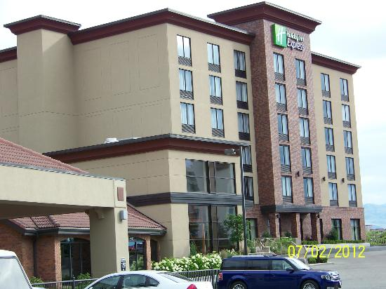 Holiday Inn Express Kelowna: hotel conference center