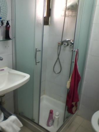 Dizengoff Sea Residence: no shower/bath combo--bring your own soap