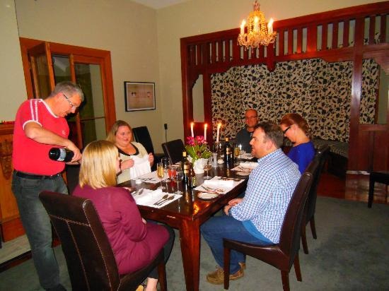 Stuart Manor Boutique Bed & Breakfast: Amazing 3 course dinner with our friends