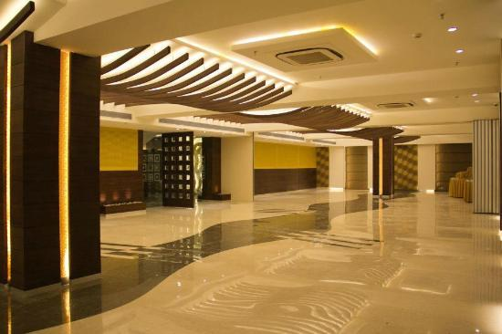 Hotel Icon Foyer : Banquet picture of hotel icon chandigarh tripadvisor