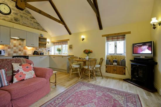 High Street, UK: The Cider Barn living room